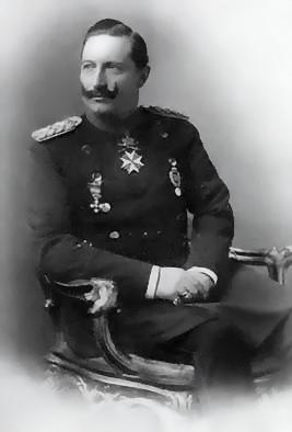 In preussischer Offiziersuniform