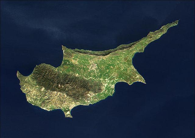 """Kommentar zur """"Solidaritätsgebühr"""" in Zypern: Ein Plädoyer für mehr Demokratie"""