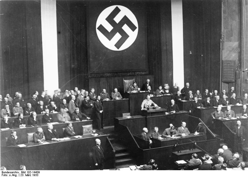 Beschluss des Ermaechtigungsgesetz im Reichstag (Krolloper)