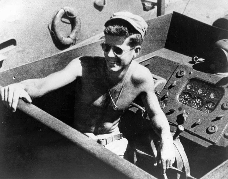 Lt-Kennedy-im-Krieg