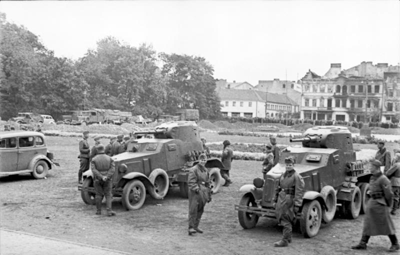 Deutsche und russische Soldaten treffen in Polen 1939 aufeinander
