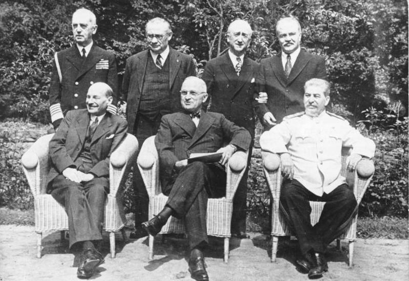 Bundesarchiv Bild 183-R86965 Potsdamer Konferenz Gruppenbild