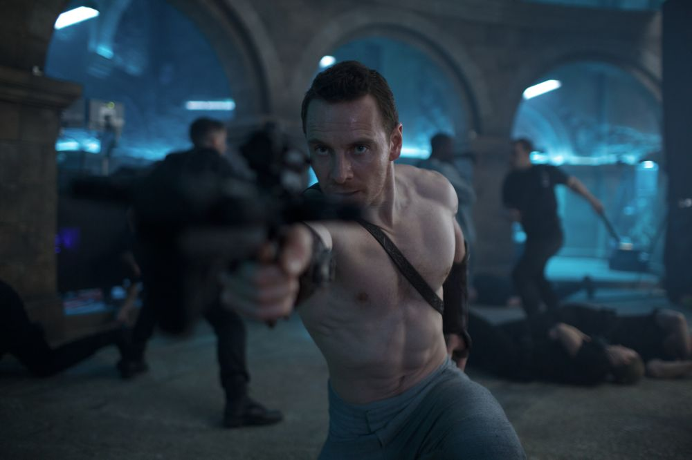 Michael Fassbender spielt in ASSASSIN'S CREED in der Gegenwart… © 2016 Twentieth Century Fox