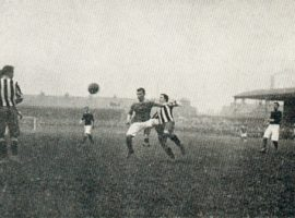 Das FA Cup Spiel Woolwich Arsenal gegen Newcastle United am 01. April 1906