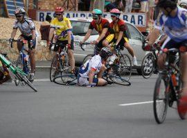 Wo es Sieger gibt, gibt es auch Verlierer und Stürze sind nicht selten. Bildquelle: Roger Jones– 2989574 / Shutterstock.com
