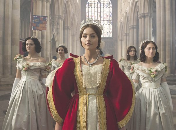 © EDEL Im Bild: JENNA COLEMAN als Victoria und RUFUS SEWELL als Melbourne.   This photograph is (C) ITV Plc and can only be reproduced for editorial purposes directly in connection with the programme or event mentioned above. Once made available by ITV plc Picture Desk, this photograph can be reproduced once only up until the transmission [TX] date and no reproduction fee will be charged. Any subsequent usage may incur a fee. This photograph must not be manipulated [excluding basic cropping] in a manner which alters the visual appearance of the person photographed deemed detrimental or inappropriate by ITV plc Picture Desk.  This photograph must not be syndicated to any other company, publication or website, or permanently archived, without the express written permission of ITV Plc Picture Desk. Full Terms and conditions are available on the website www.itvpictures.com  For further information please contact: Patrick.smith@itv.com 0207 1573044