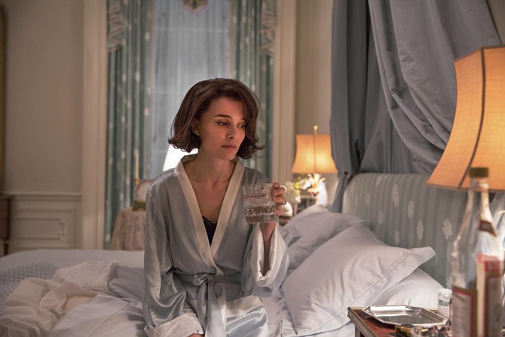 Die Verzweifelung von Jackie scheint im Film in sehr eindringlichen Szenen durch.