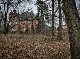 Die Villa Kolbe ist eine alte Fabrikantenvilla und verfällt seit Jahrzehnten. (c) Thor Larsson Lundberg, aus: Lost Places, Heel Verlag, Königswinter