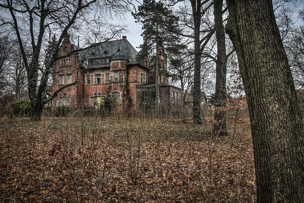 Die Villa Kolbe ist eine alte Fabrikantenvilla und verfällt seit Jahrzehnten. (c) Thor Larsson Lundberg, aus: Lost Places, Heel Verlag, Königswinter