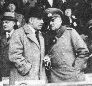Franz von Papen und Kurt von Schleicher - einst enge Verbündete, die später um die Macht rangen.