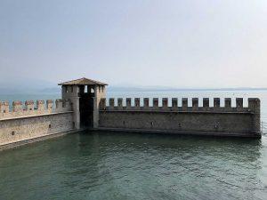 Der befestigte Hafen wurde in einem späteren Bauabschnitt hinzugefügt.