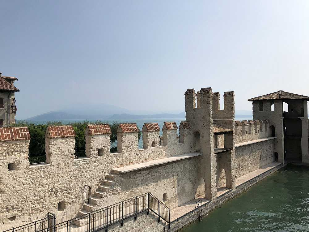 Die Festung war mit ihren starken Mauern sehr wehrhaft