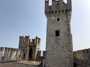 Die Burg hatte anfangs eine hohe militärische Bedeutung