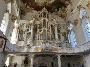 """Die Orgel in der Klosterkirche wird im Volksmund die """"Große Roggenburgerin"""" genannt."""