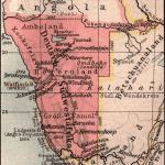 Die Karte datiert aus dem Jahr 1904 und zeigt die deutsche Kolonie Deutsch-Südwestafrika. Quelle CC BY-SA 3.0
