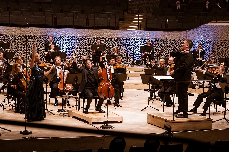 75 Jahre NDR Elbphilharmonie Orchestear Konzert @ Elbphilharmonie - dirigert von Alan Gilbert (c) Peter Hundert Photography